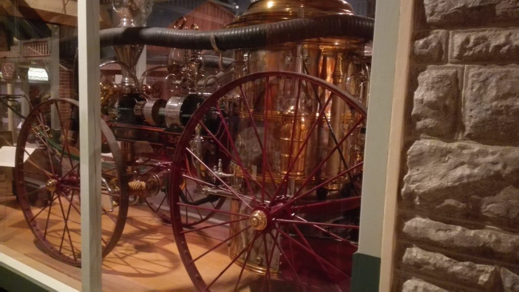 An early steam fire engine